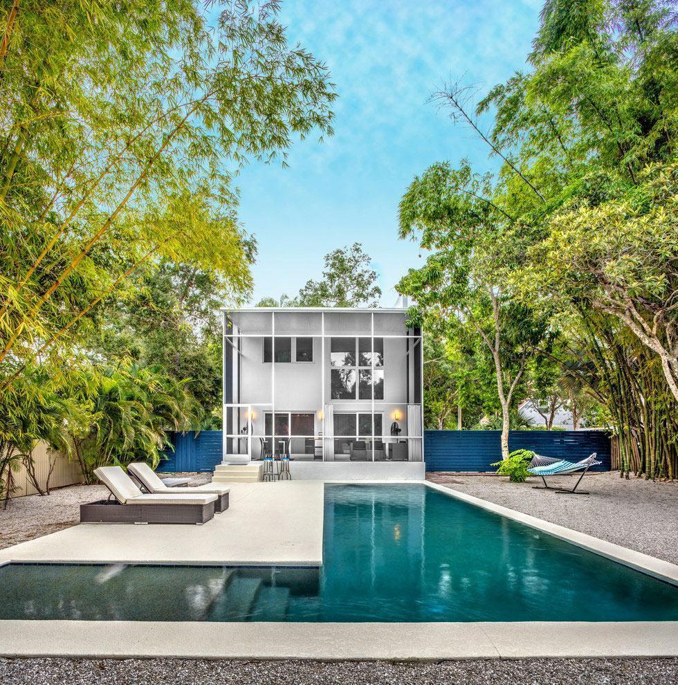 Casas com piscinas: 60 modelos, projetos e fotos