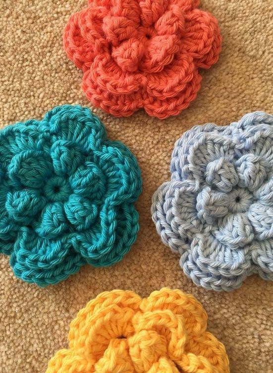 Flores de crochê com 3 camdas