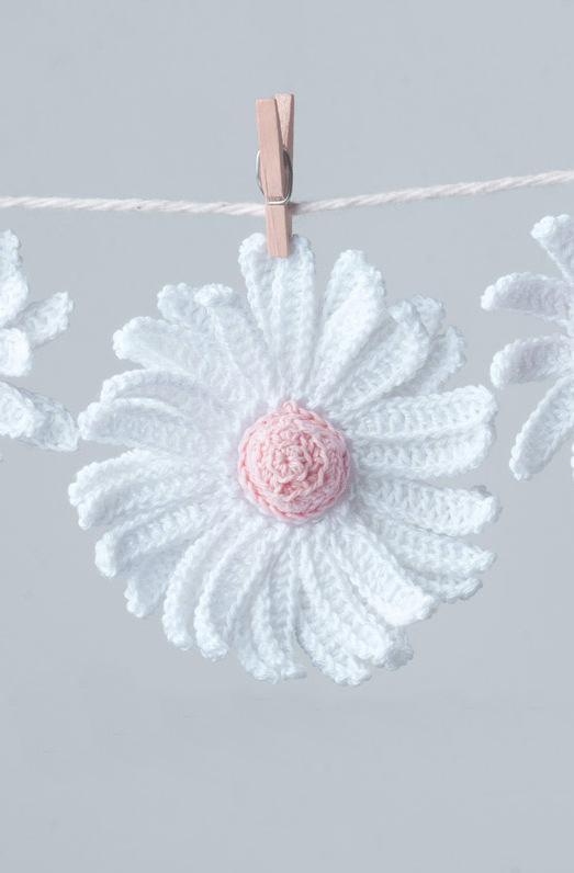 Flor branca em crochê