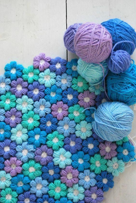 Combinação de flores azul, azul claro e lilás