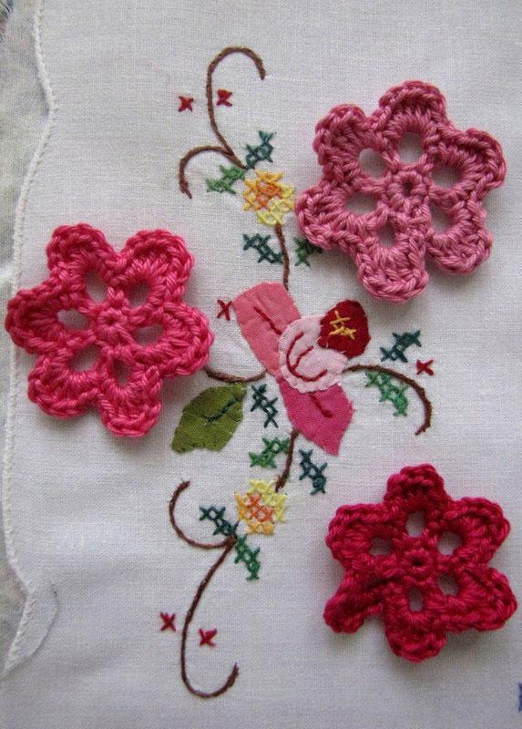 Modelos de flores de crochê vazadas