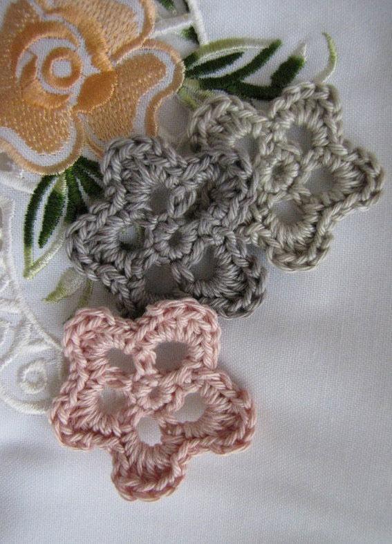 flores de crochê vazadas