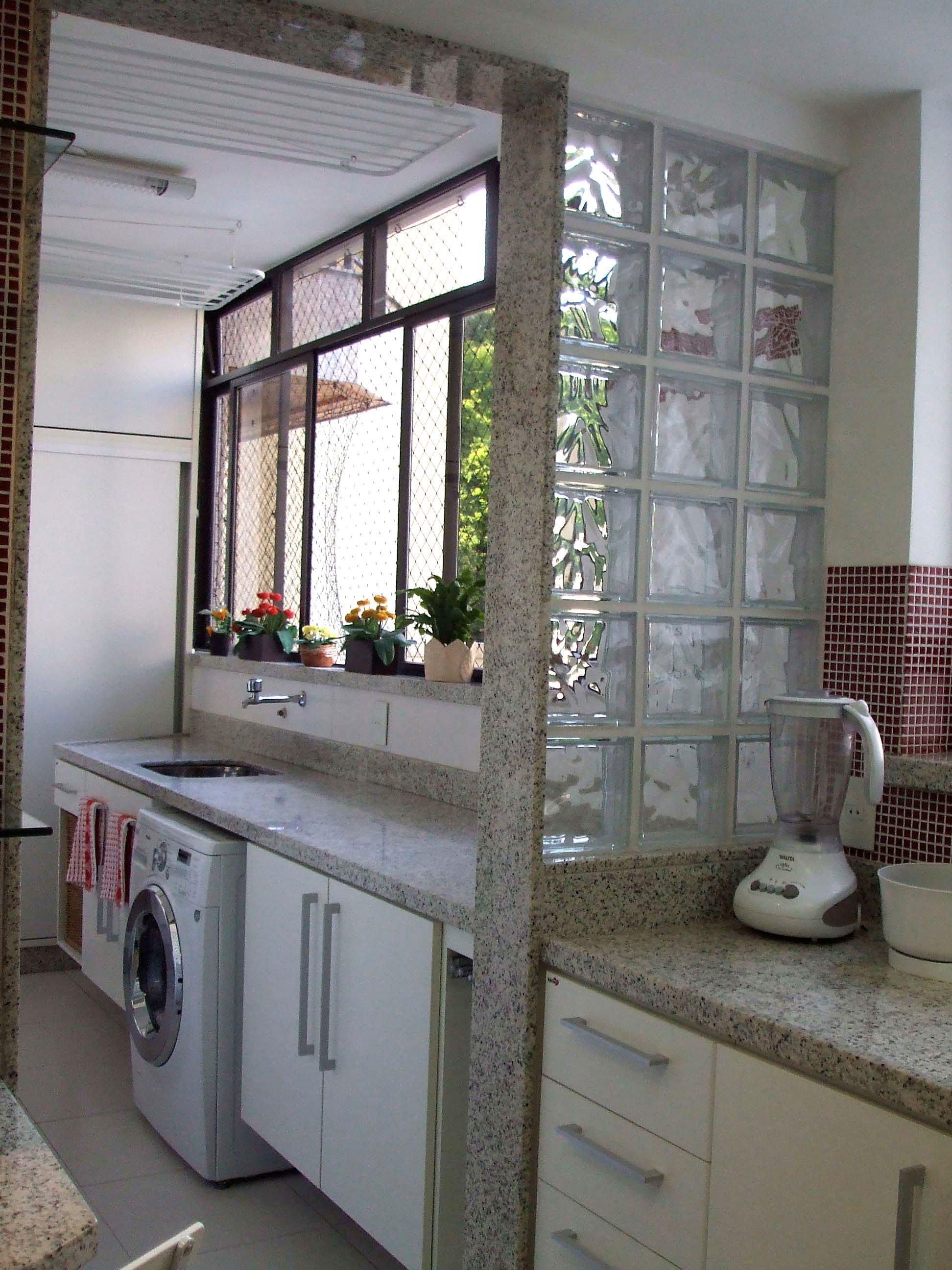 Tijolo de Vidro Modelos, Preços e 60 Fotos Inspiradoras! -> Pia De Banheiro Feita Com Tijolo De Vidro