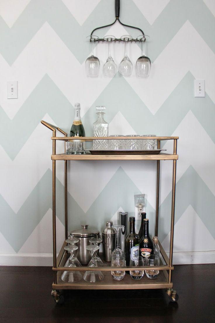 O carrinho de bar é uma peça versátil na decoração