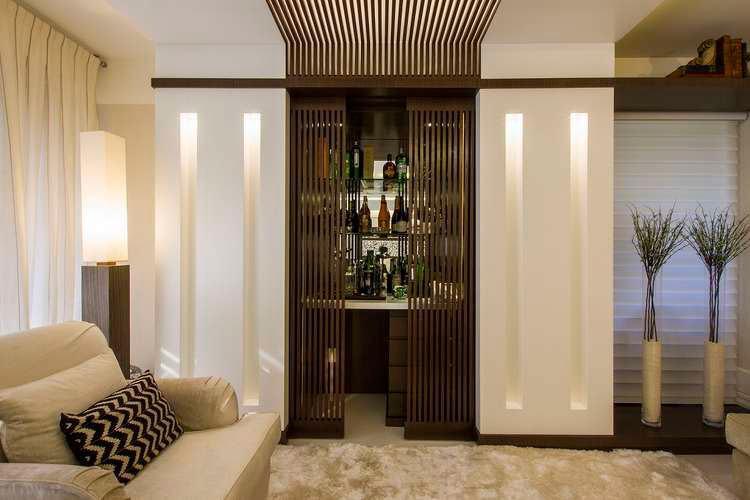 #474316 Bar de Parede 60 Modelos Projetos e Fotos Incríveis 750x500 píxeis em Bar Moderno Para Sala De Estar Imbutido