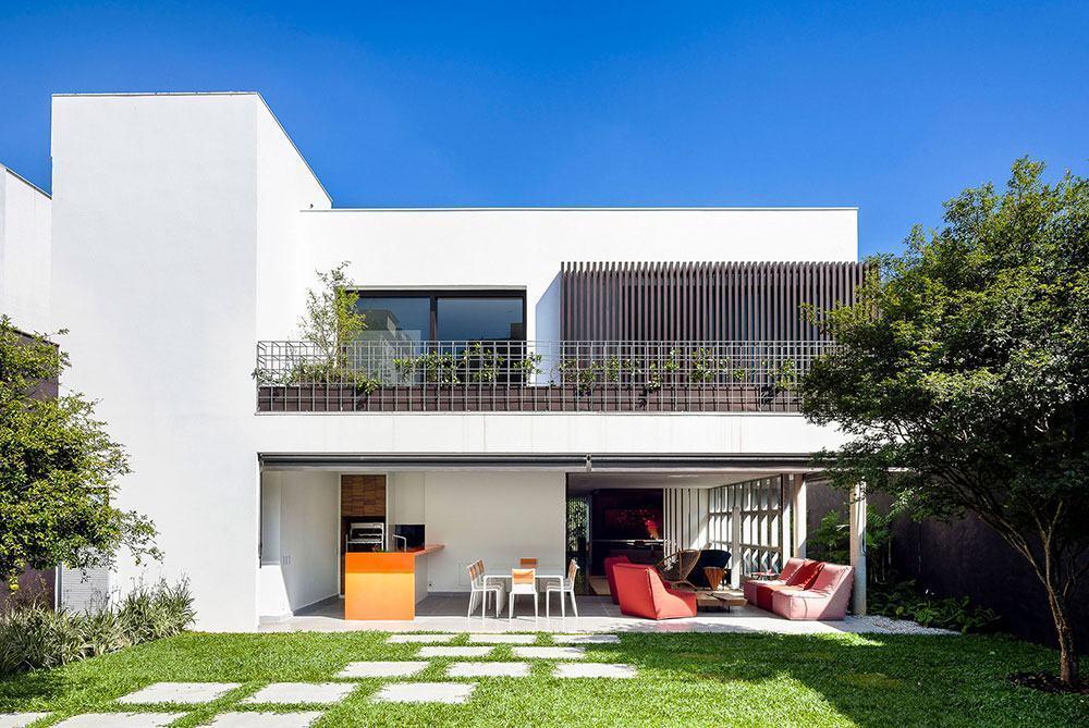 Telhado embutido em casa simples