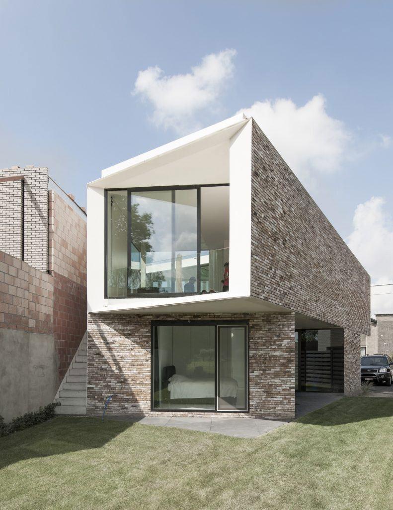 Casa com formas geométricas