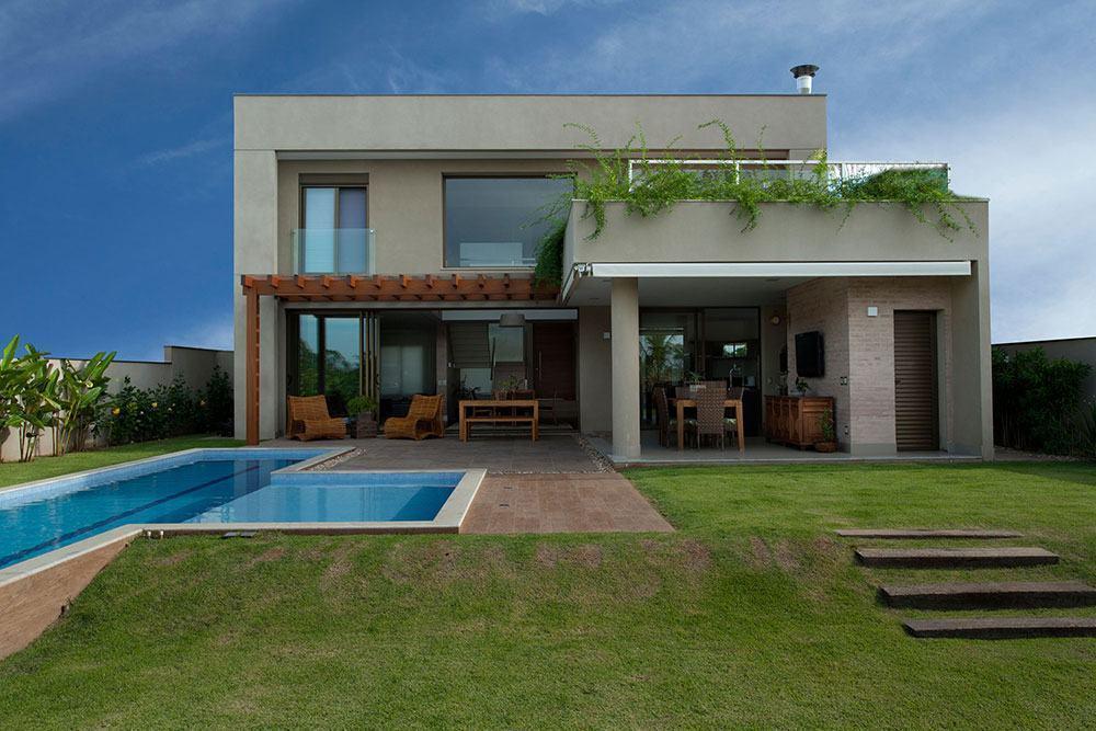 Casa de 2 pavimentos com cobertura plana