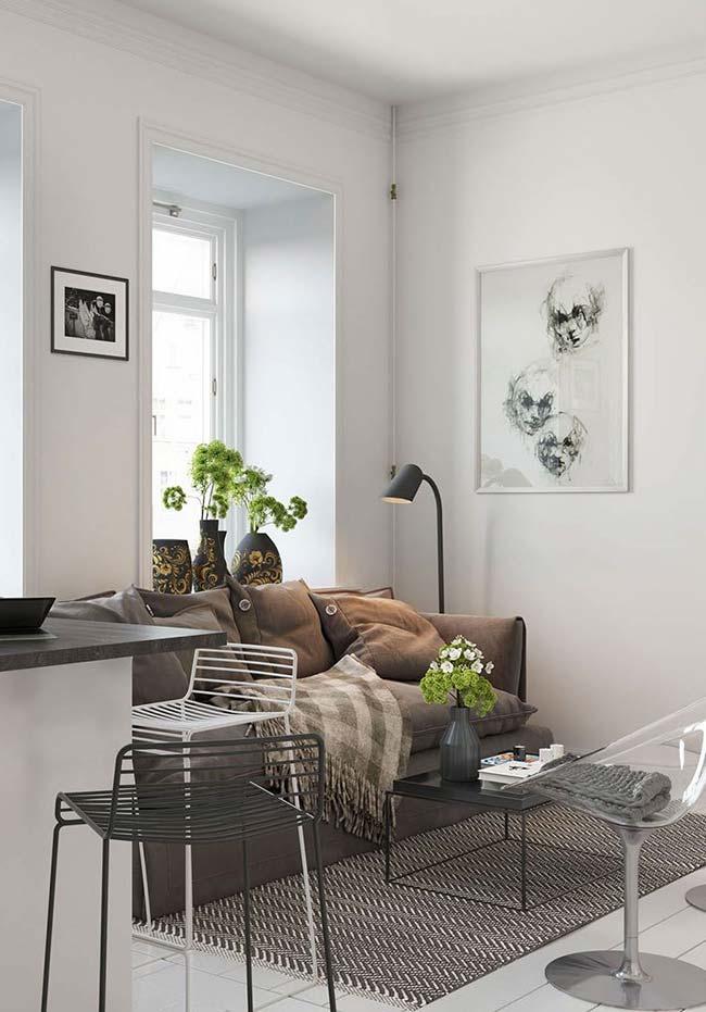 Mantas para sofá: este modelo marrom ganhou manta um tom mais claro