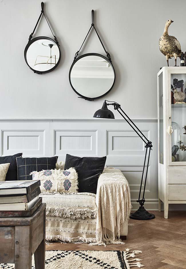Mantas para sofá: essa manta recobre todo o sofá; uma boa maneira de esconder imperfeições do móvel