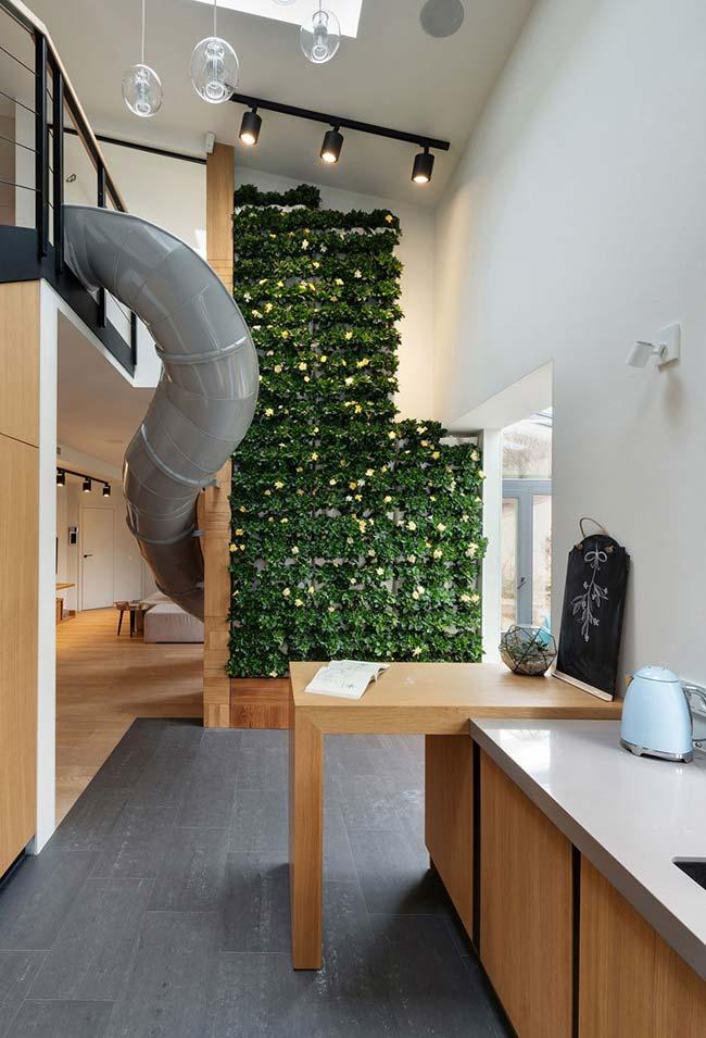 Não importa o estilo de decoração que predomina no ambiente, os jardins verticais combinam com todos