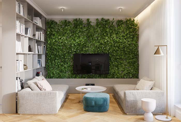 Já pensou em um painel verde para a TV? Uma ideia para lá de criativa e original