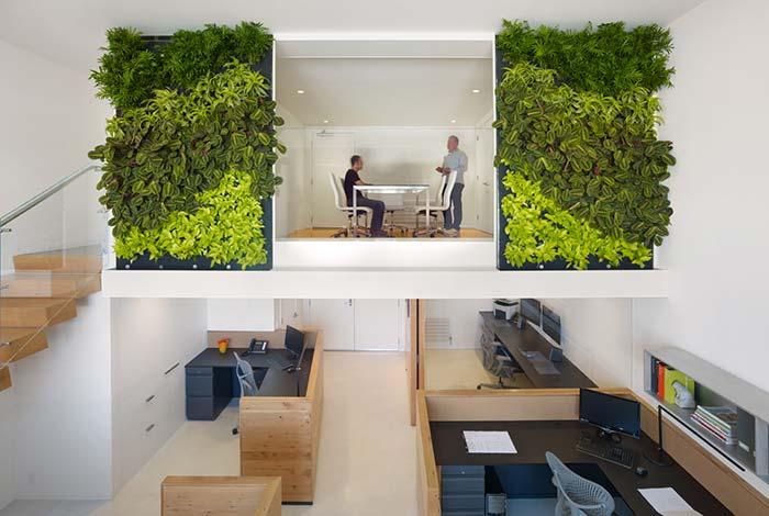 Jardim vertical em ambiente corporativo