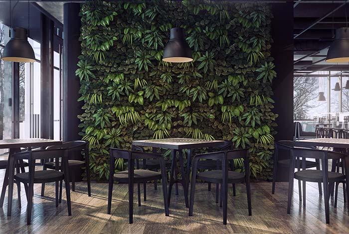 Lojas, restaurantes e outros espaços comerciais também se beneficiam da presença dos jardins verticais