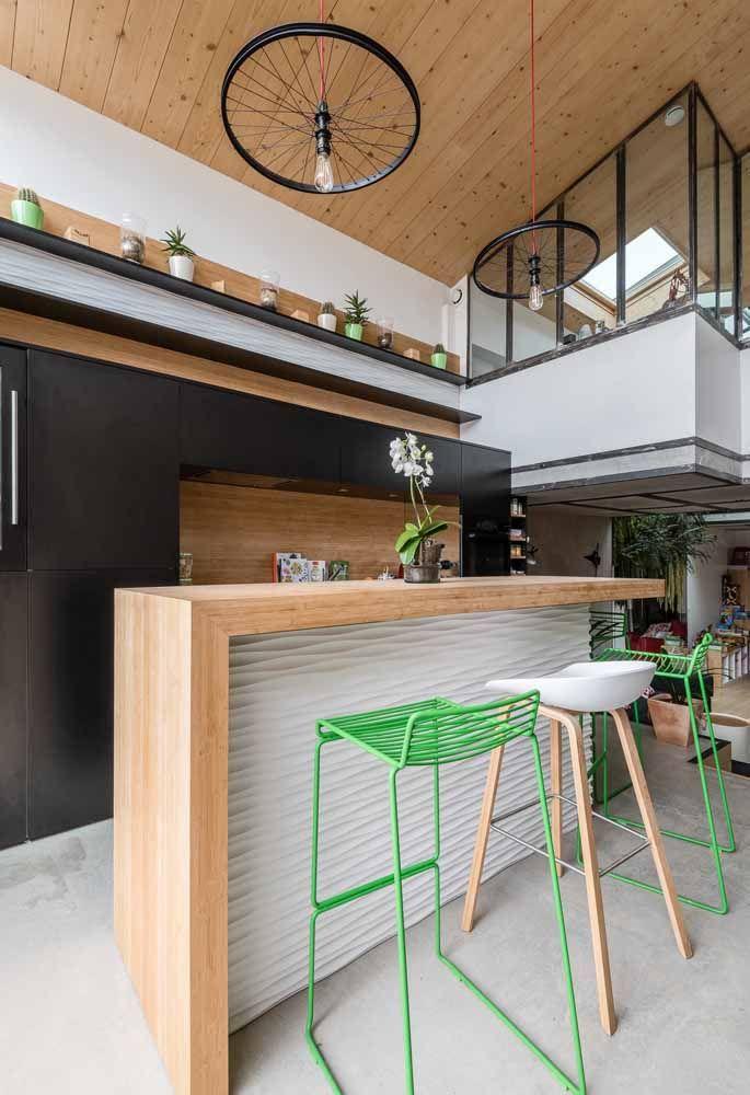 O vidro que fecha o mezanino faz com que o piso permaneça com as suas características originais