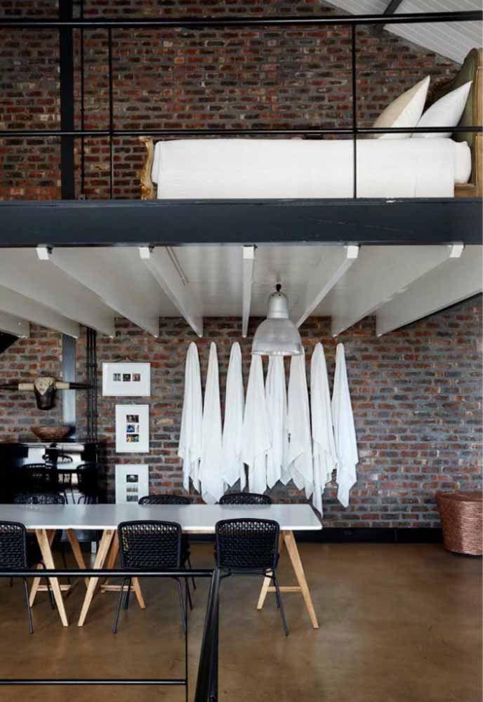 Quarto em cima, sala embaixo: tudo muito simples e prático, mas sem abrir mão de uma decoração despojada e moderna