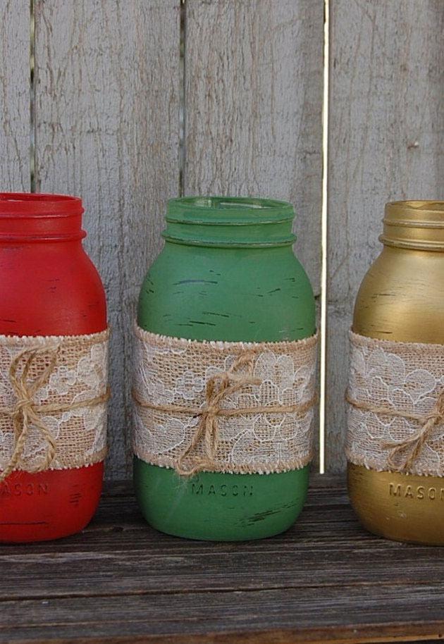 Frascos de vidro pintados com tinta colorido e renda