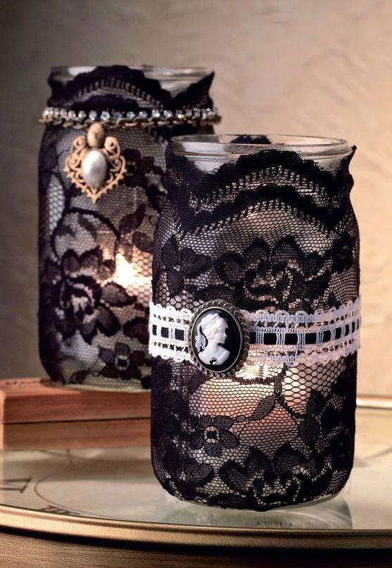 Frascos para abrigar velas decorados com renda preta