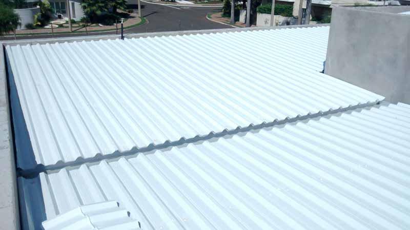 Telha para telhado embutido