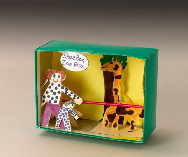 Com decoração infantil zoológico na parte interna.