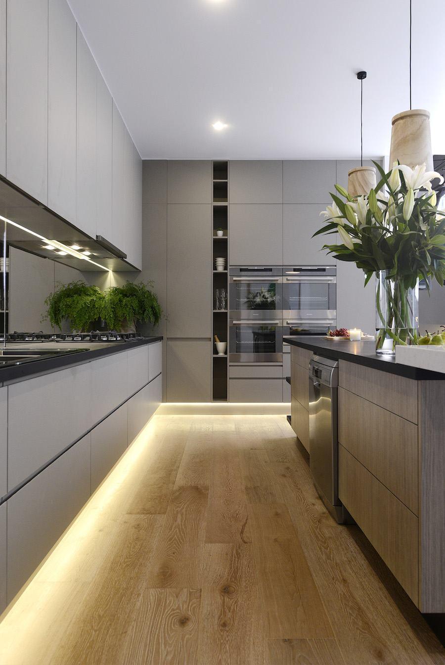 Cozinha clean com decoração cinza