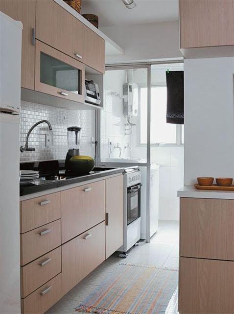 Cozinha clean com lavanderia integrada