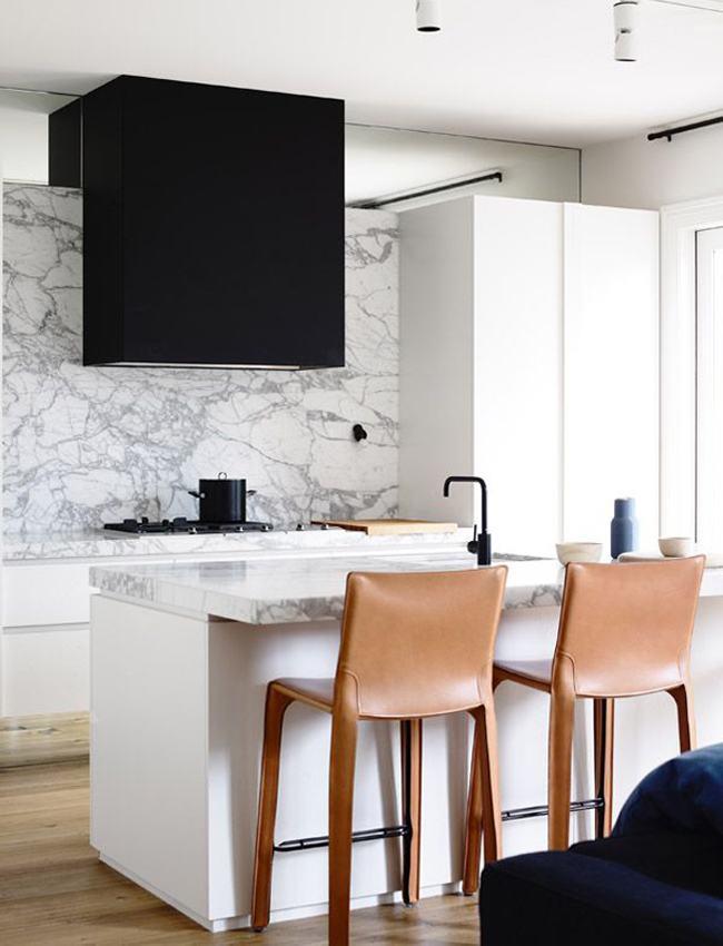 Combinação de cores e materiais para uma cozinha moderna