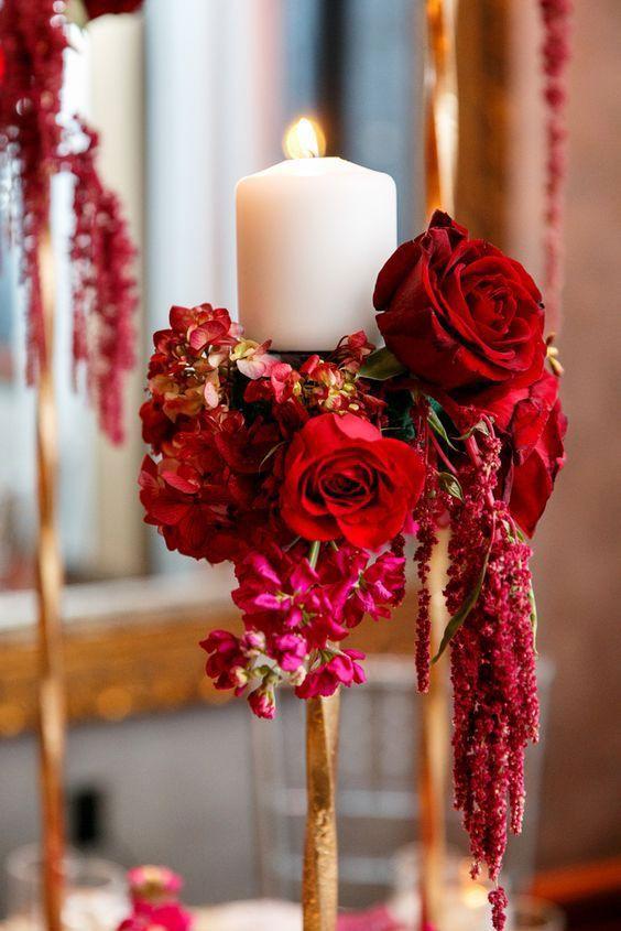 Coringa e acessível, as velas dão mais charme à mesa dos convidados