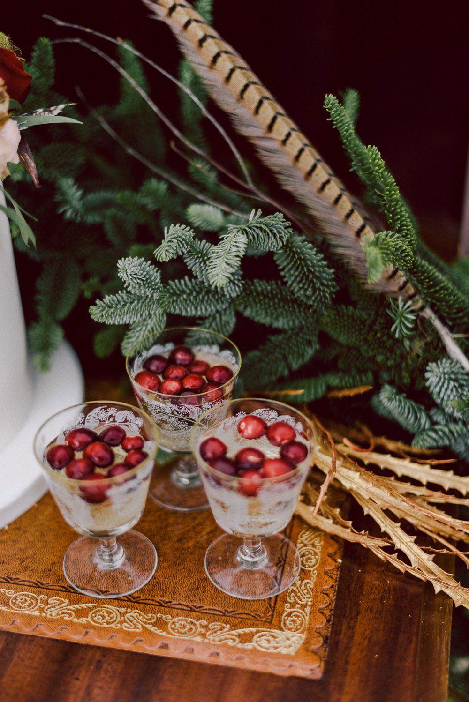 Drink refrescante com cerejas fresquinhas.