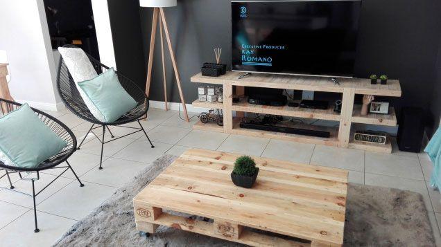 Combine o rack com a mesa de centro da sala de estar.