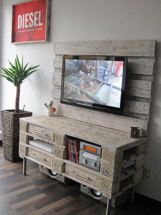 rack de pallet 60 modelos e ideias criativas confira. Black Bedroom Furniture Sets. Home Design Ideas