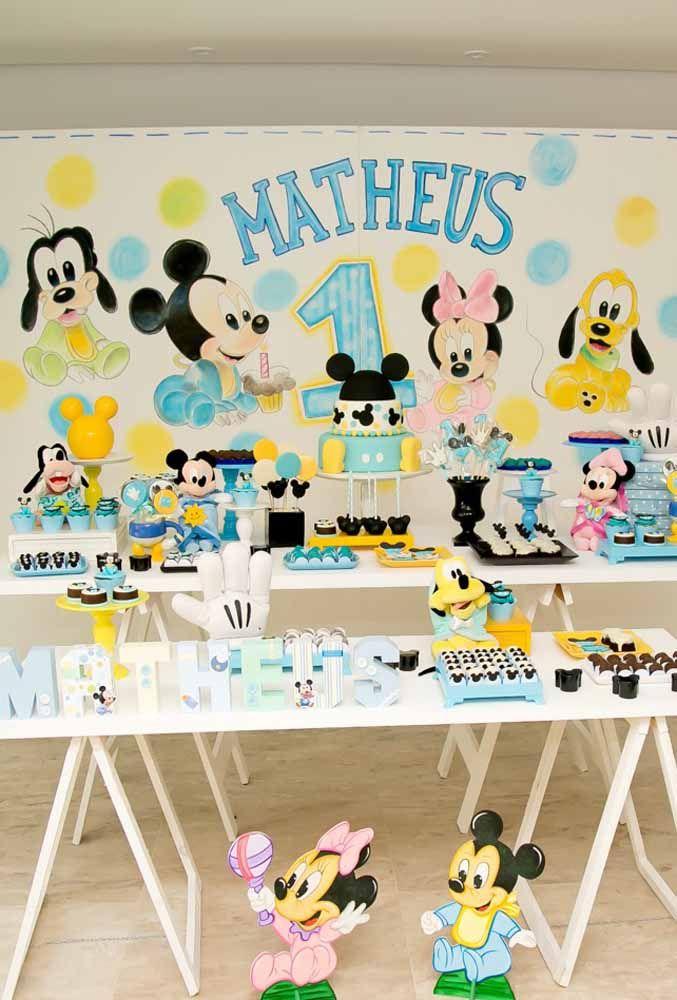 Uma mesa completa da turma do Mickey para você se inspirar