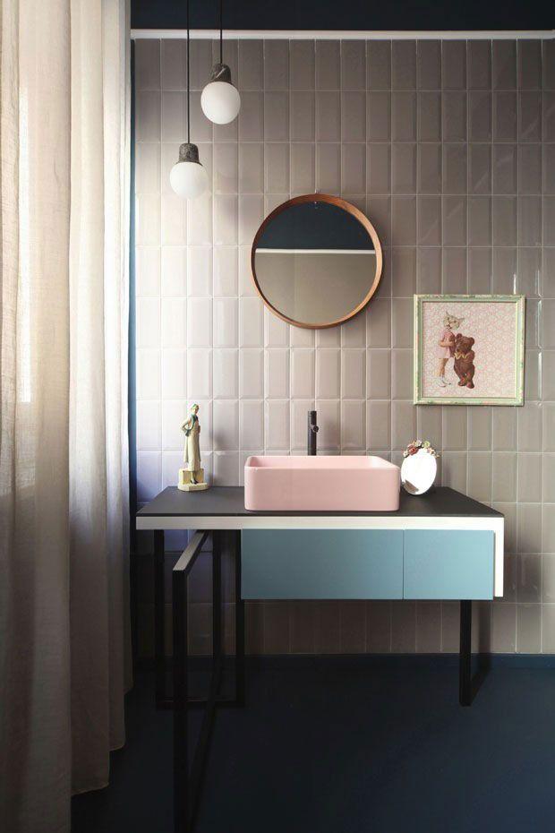 Modelo de gabinete minimalista para banheiro.