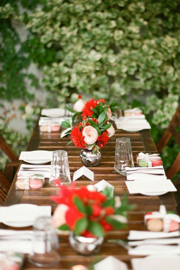 A montagem da mesa traduz a personalidade dos noivos