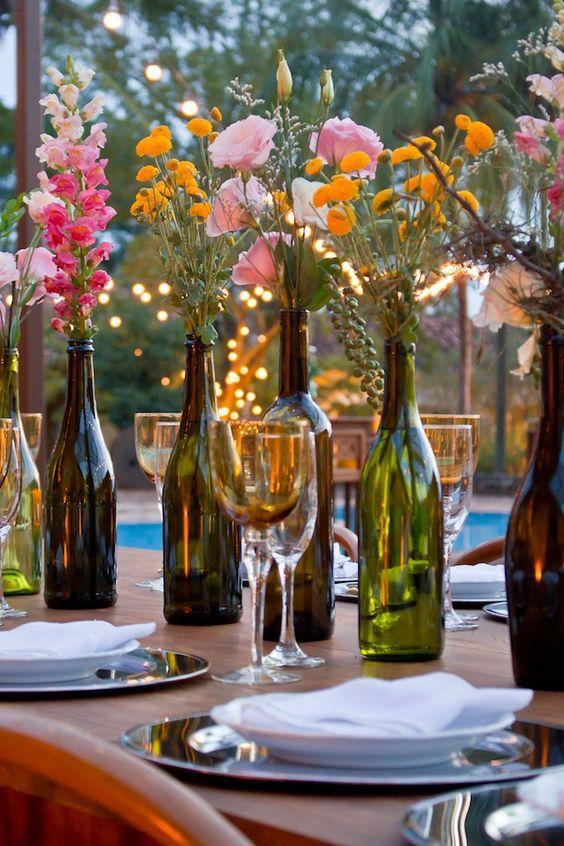 Reutilize garrafas de vinho e decore com personalidade