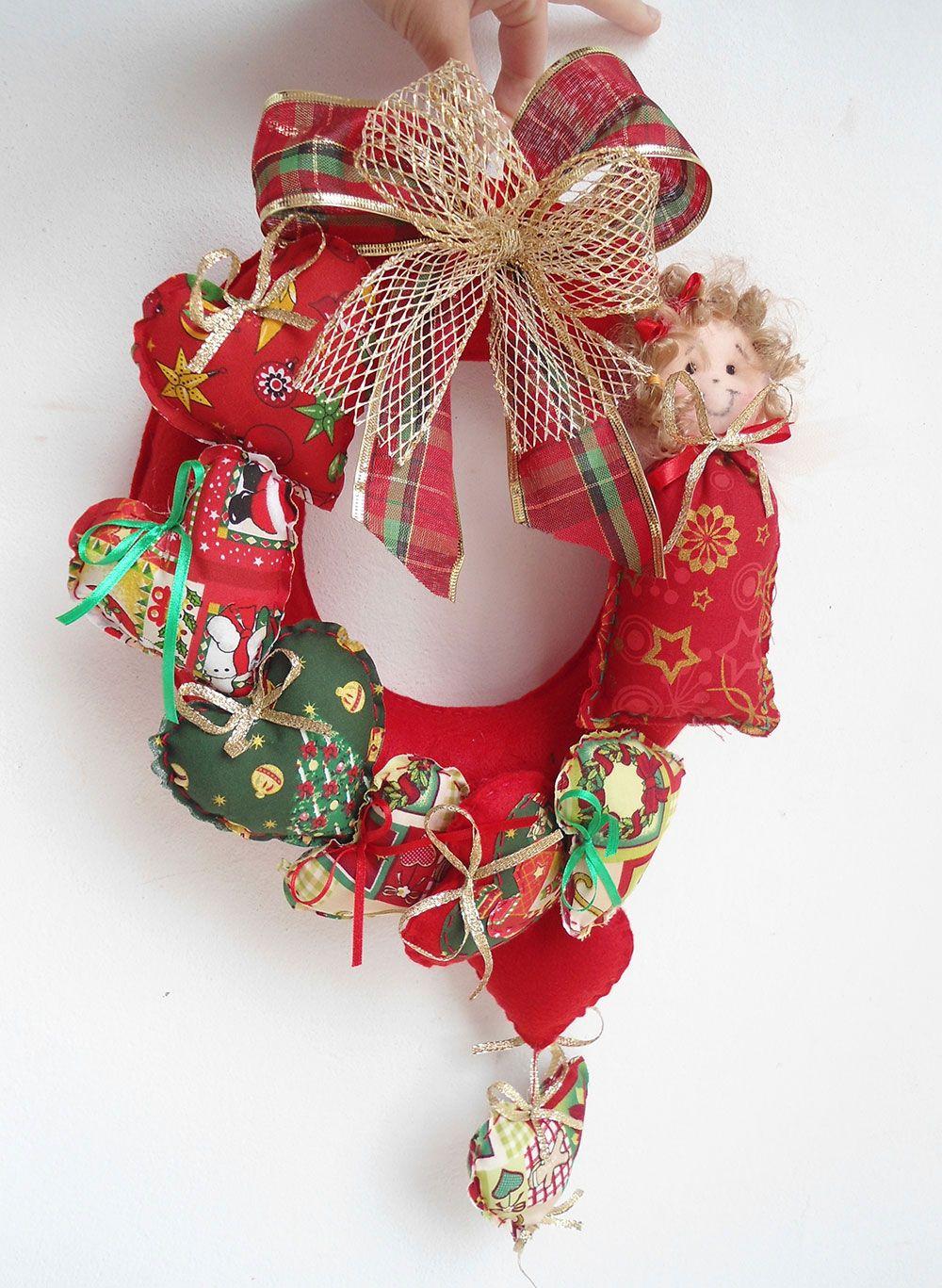 Um modelo com muito estilo: corações e laços com diferentes tecidos