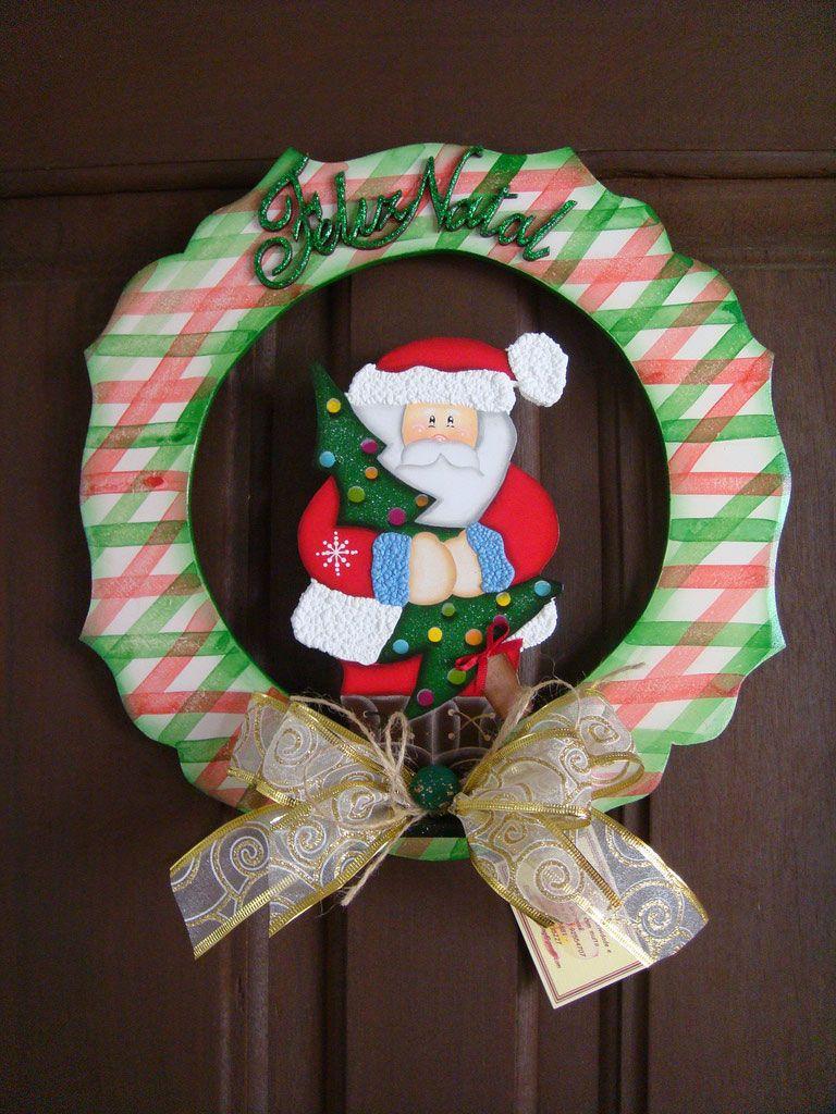 Guirlanda de madeira pintada com Papai Noel no centro