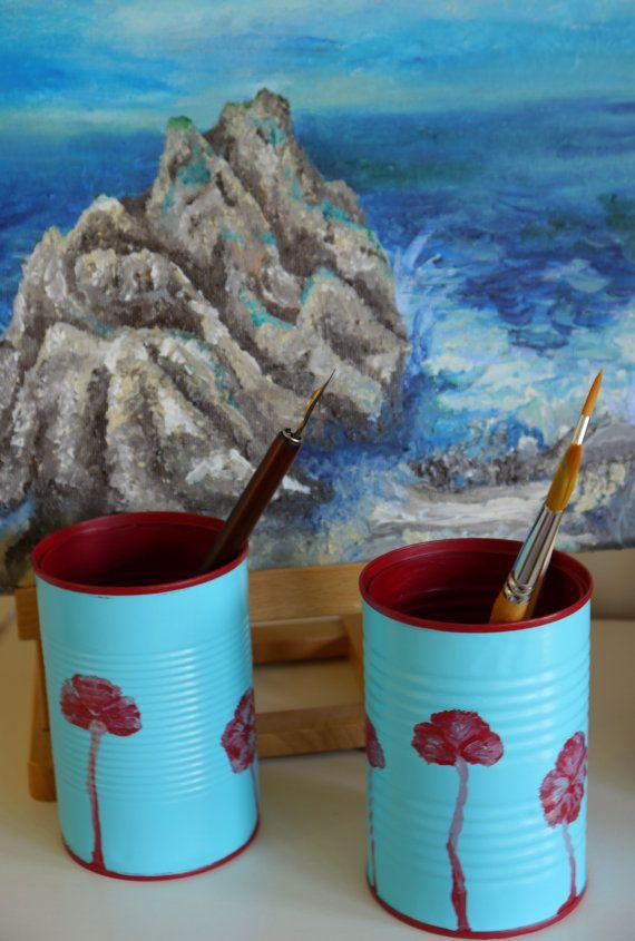 Pintura externa e interna, com desenhos de flores.