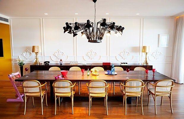 Que tal uma sala de jantar com um toque clássico moderno?