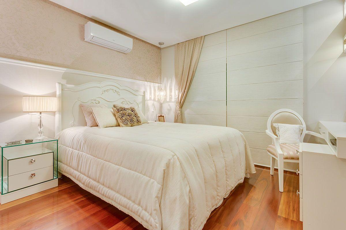 O quarto com rodameio deixa o ambiente mais delicado.