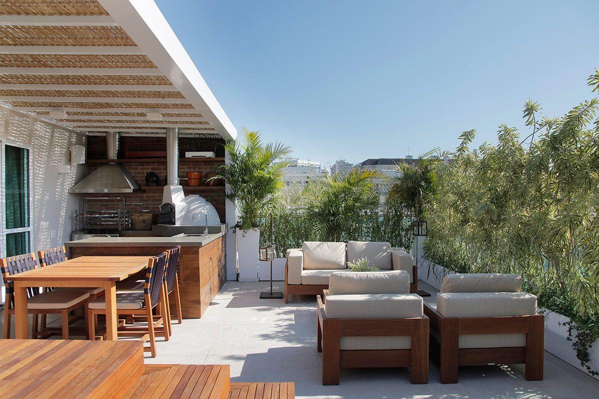 A cobertura com bambu é uma opção para área externa