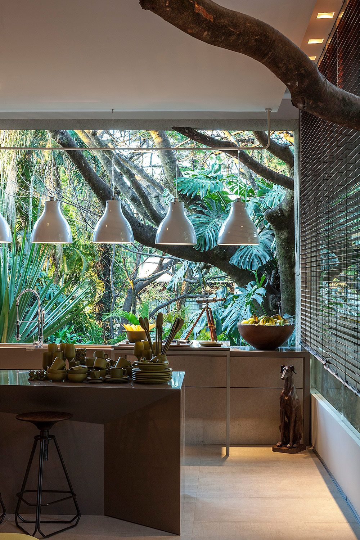 O paisagismo valoriza o projeto do espaço gourmet