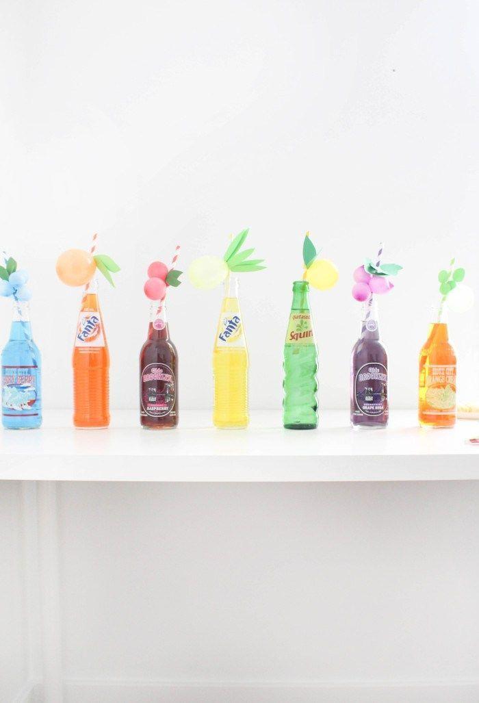 Petit bexigas em formato de frutas também decoram os canudinhos dos refrescos