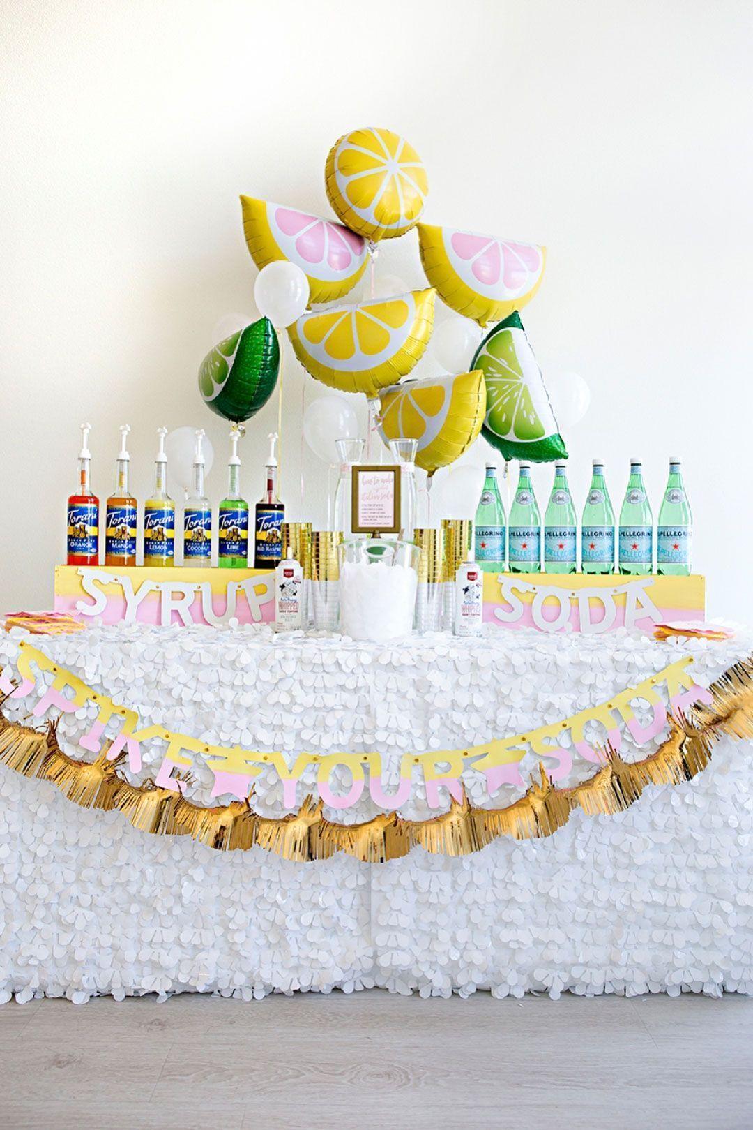 Limões para dar aquele toque tropical na mesa dos refrescos