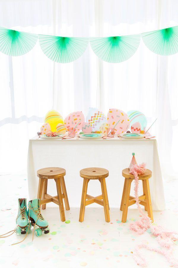 Não existe regras: bexigas decoradas também na mesa dos convidados