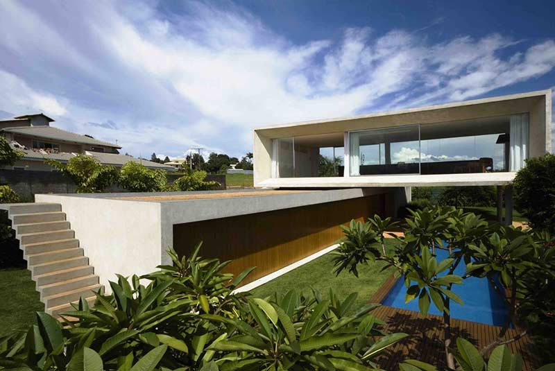 Planta de casa com blocos de concreto.