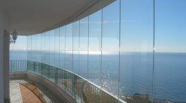 Cortina de vidro: o guia completo para o envidraçamento de sacadas