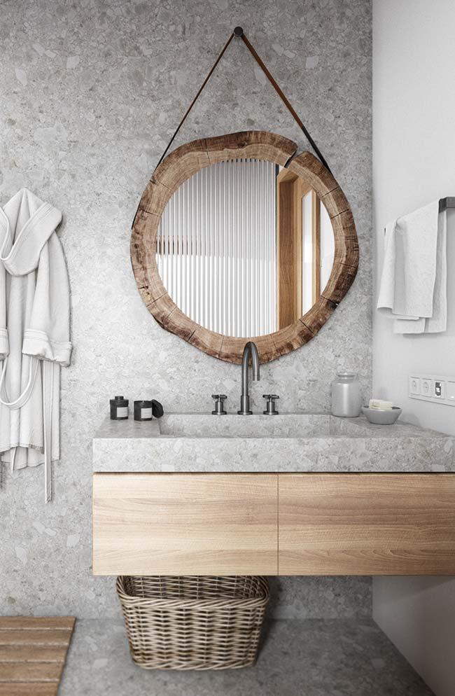 Espelho com alças de couro