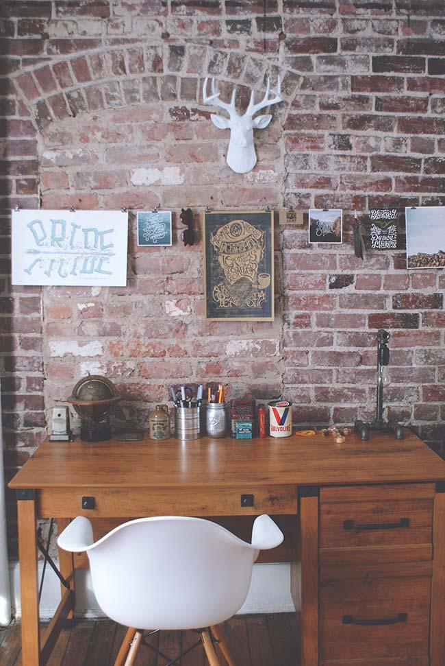 Home office com decoração rústica