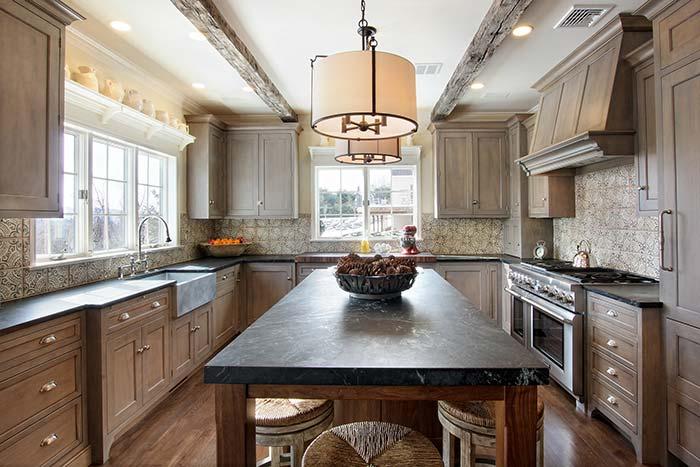 Uma cozinha para acelerar o coração dos apaixonados por decoração rústica